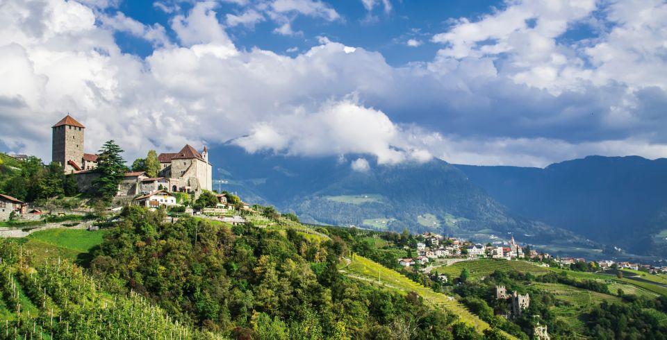 Dorf_Tirol Schloss 001 960