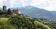 Dorf Tirol Beitragsbild 001