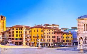 Beitragsbild Der Piazza della Liberta in Udine Friaul Julisch Venetien